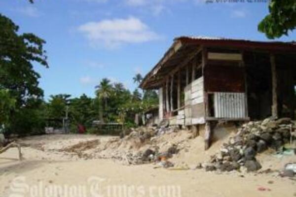 Coastal erosion in Saoluafata, Upolu, Samoa, 2005.