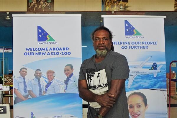 Natty Dolaiasi will also teach local young people of Solomon Islands background who have been isolated from their culture with the aim to prepare them to perform at the Byron Harmony Festival on 21 March. Mr Dolaiasi plans to perform with these young people at schools and other youth events.
