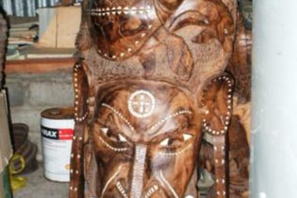 SPC is also looking for new market opportunities for Solomon Islands wooden handicraft.