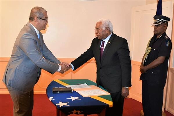 David Dennis was sworn-in by the Governor General, His Excellency Sir David Vunagi, at Government House.
