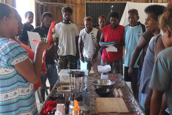 During two training sessions jointly organized by SPC and the MFMR in May 2021 with support from the consulting firm Aqua Energie LLC, thirty-three women and sixteen men from Wagina and Manaoba learnt new techniques and tips to boost their seaweed businesses.