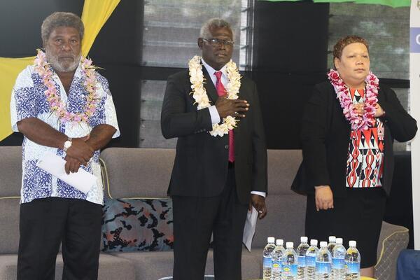 City Mayor Wilson Mamae, Prime Minister Manasseh Sogavare and Minister for Women and Youth, Freda Tuki Comua.
