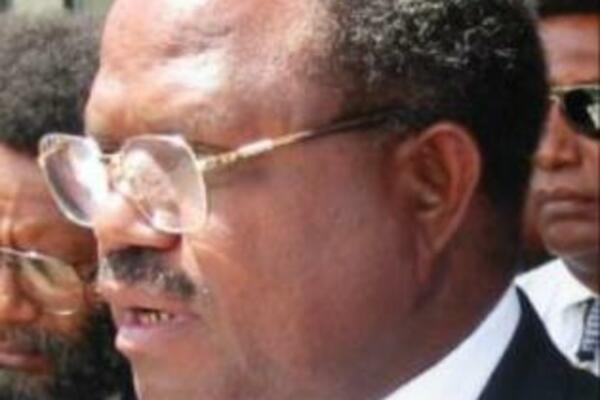 Sir Allan Kemakeza has won the Savo- Russell's by-election by 1,654 votes, Reginald Kokili came second with 957 votes.