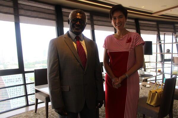 Prime Minister Sogavare and Singapore's Senior Minister of State, Hon Josephine Teo.