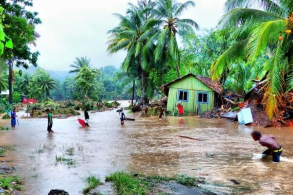 Health workers in Solomon Islands say unsanitary conditions caused by the floods in April have created ideal conditions for the diarrhoea outbreak.