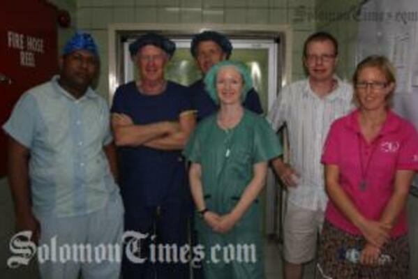 (L-R) Surgical trainee Dr Larry Lagatiana with Dr Brian Costello, Dr Alastair Walpole, Tania Wieg, Simon Davies and Australian Volunteer, Annette Kaspar.