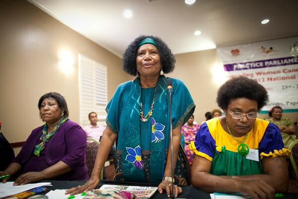 Papua New Guinean women participating in UNDP's Practice Parliament for Women including former MP and Minister Nahau Rooney, centre (UNDP Papua New Guinea).