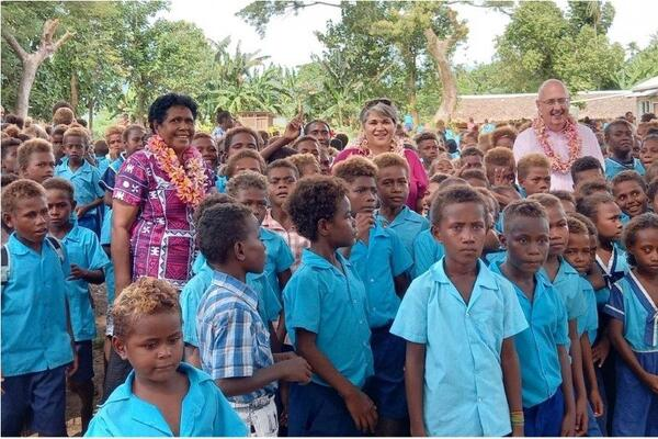 Both High Commissioners were privileged to visit one of the participating schools, St. Vincent de Paul Catholic Primary School in East Honiara to mark the commencement of the COESI Skul Blong Umi Lo Ples project.
