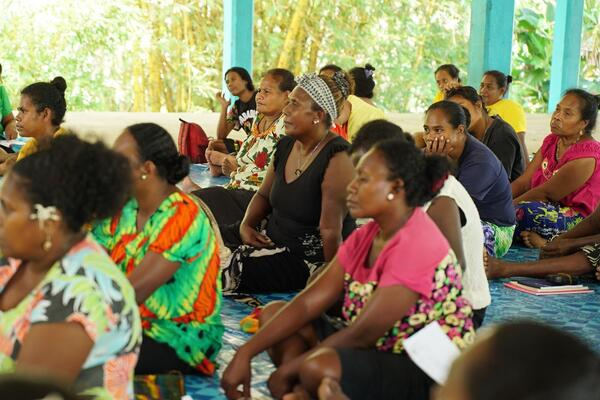 The KAWAKI Women's Network have been reaching out to communities and schools in the Katupika, Wagina and Kia areas to do conservation awareness which address issues they face in their communities like waste management, logging, mining, and overharvesting.