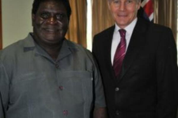 Solomon Islands Prime Minister, Hon Danny Philip and Australia's Minister for Defence, Hon Stephen Smith.