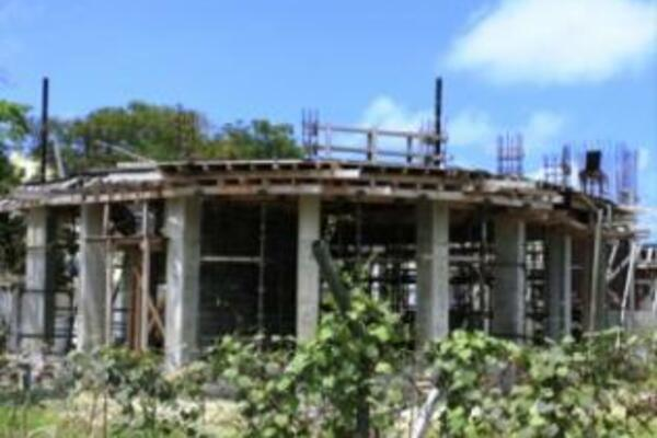 Construction work stopped last year after the local construction firm, Transworld Company, was said to have ran out of funds to pay its workers and meet other contractual obligations.