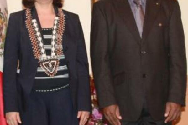 Ambassador Maria Gargarllo with Solomon Islands Governor General, Sir Frank Kabui recently in Honiara.