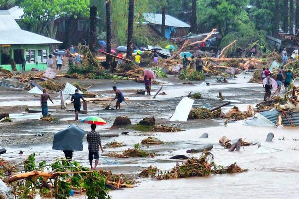About 1,500 people are still being housed in the evacuation centres after April's deadly flash floods which killed at least 21 people and left thousands homeless.