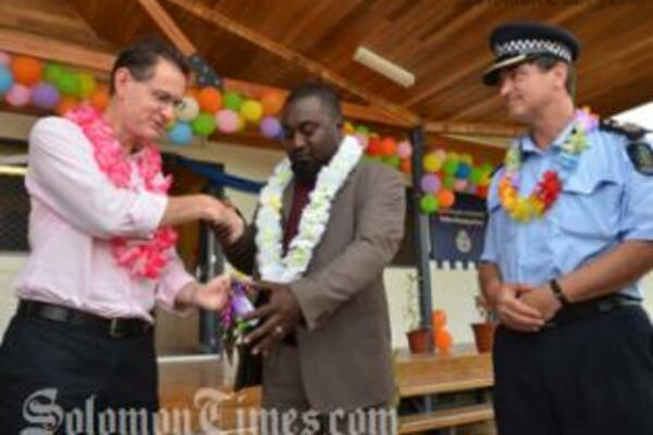 The new facilities are part of RAMSI's ongoing support to help improve and modernize the working environment of the Royal Solomon Islands Police Force (RSIPF) throughout the country.