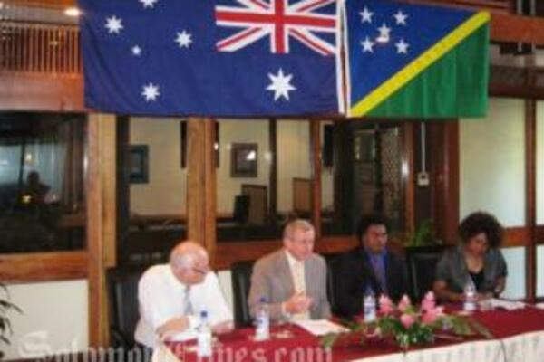 Australia's Minister for Trade, Simon Crean with Minister for National Unity, Peace and Reconciliation, Hon Sam Iduri, MP.