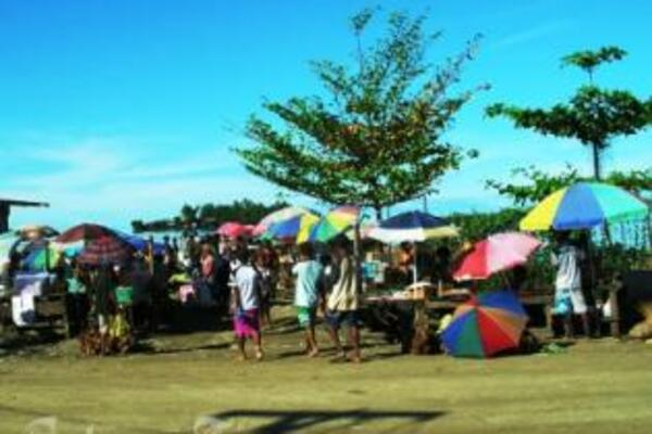 A busy day at the Auki markets, the provincial capital of Malaita.