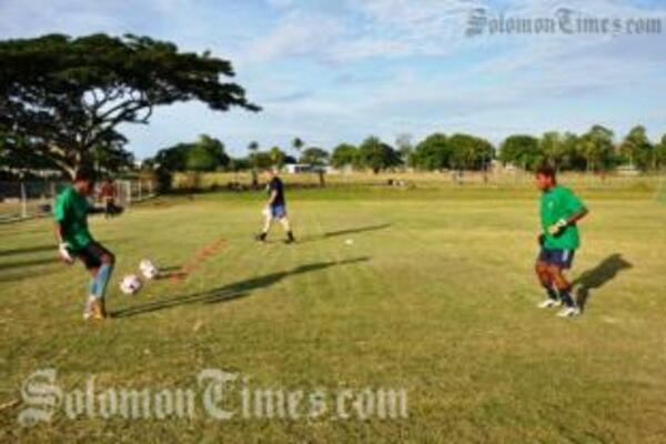 Locals goalkeepers, Bart Fisiniu and Dida Qwaina during training for the upcoming match.