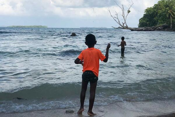Some residents of Kukson and Nikamuroo villages and Benyamina islet told Amnesty International that they are concerned about the possible impacts from mining on fishing and sea-weed farming from mine run-off or disturbances to fresh groundwater discharges into the sea.