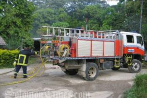Inspector Rodney Kuma of RSIPF Fire Services said their prompt radio dispatch meant a fire truck and four crew were able to arrive at the scene in Central Honiara within five minutes.
